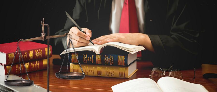 摄图网_401909255_wx_世界法律日(企业商用).jpg